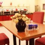 """Отель """"Hanting Express Heihe Heilongjiang park"""" в Хэйхэ: столовая"""